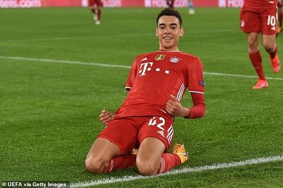 Jamal Musiala, sao trẻ Bayern lảng tránh Tam sư để chọn tuyển Đức ảnh 1