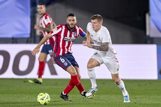 Real Madrid sẽ phải chơi quyết tử trước kình địch cùng thành phố