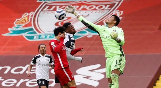 Fulham nhấn chìm Liverpool ở Anfield: Chiến thắng của lòng quả cảm ảnh 1
