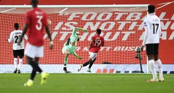 Man United đánh rơi chiến thắng trước AC Milan ảnh 2