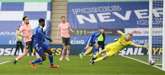 Iheanacho ghi hat-trick giúp Leicester nhấn chìm Sheffield United ảnh 1