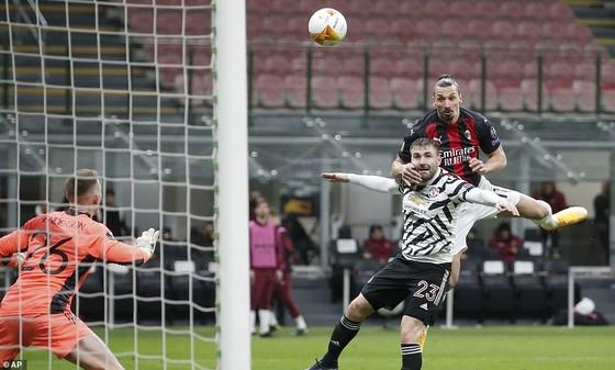 Dù AC Milan thua Manchester United, Ibrahimovic có lý do để lạc quan ảnh 1