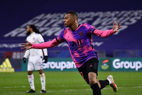 """""""Thêm một bước đi vào lịch sử"""" – Kylian Mbappe hạnh phúc khi chạm cột mốc 100 bàn Ligue 1 ảnh 1"""