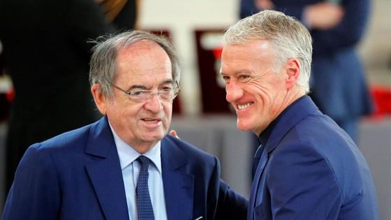 Cuộc tranh cãi Benzema - Deschamps: Karim 'nên xin lỗi' vì gọi 'một nửa nước Pháp là phân biệt chủng tộc' ảnh 1