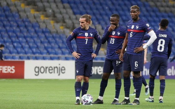 Paul Pogba (6) vẫn là nhân tố quan trọng ở tuyển Pháp