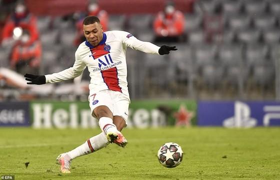 Kylian Mbappe d9angf mở ra chương mới cho PSG ở Champions League