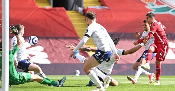 Salah và Trent tỏa sáng giúp Liverpool thắng ngược dòng Aston Villa ảnh 2
