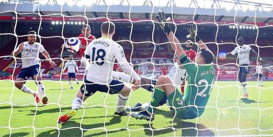 Salah và Trent tỏa sáng giúp Liverpool thắng ngược dòng Aston Villa ảnh 3