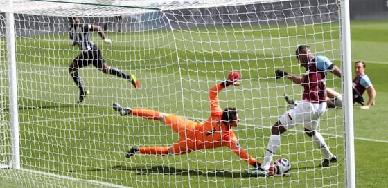Thua đau Newcastle, West Ham nguy cơ văng khỏi tốp 4 ảnh 1