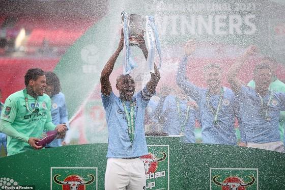 Aymeric Laporte nhấn chìm Tottenham, giúp Man City đăng quang League Cup 4 mùa liên tiếp ảnh 5