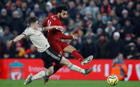 Lịch thi đấu vòng 34 giải Ngoại hạng Anh: Thắng Palace, Man City có thể đăng quang nhờ Liverpool ảnh 1