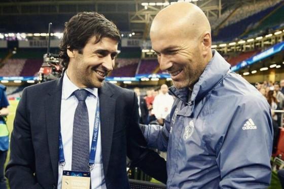 Raul Gonzalez và Zidane