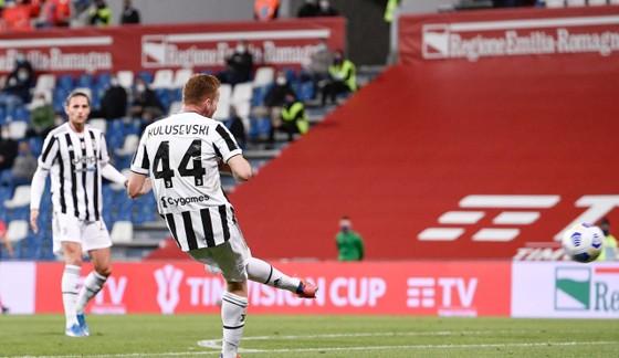 Thắng nghẹt thở Atalanta 2-1, Juventus đoạt Cúp nước Ỳ ảnh 1