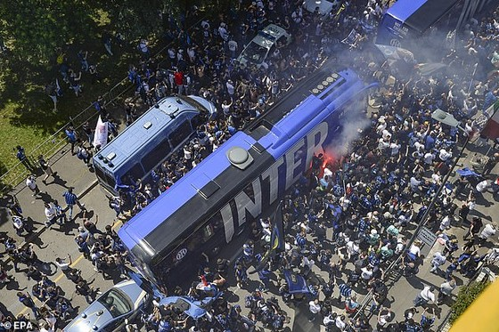 Juventus theo chân Milan vào tốp 4, Inter đăng quang trước 1.000 khán giả nhà ảnh 2