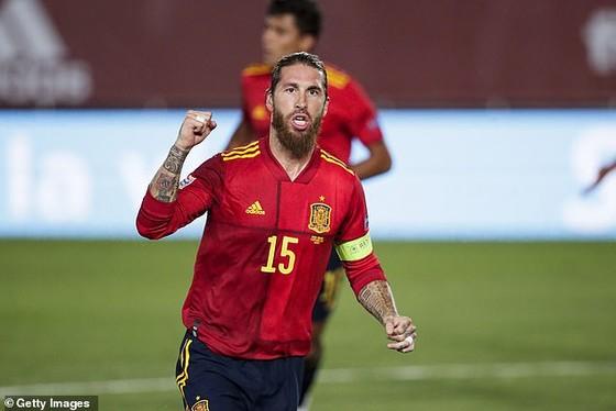 Loại Sergio Ramos khỏi tuyển Tây Ban Nha, HLV Luis Enrique chọn Aymeric Laporte dự EURO 2020  ảnh 1