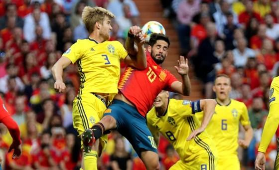Bảng E: Tây Ban Nha chiếm ngôi đầu, Thụy Điển và Ba Lan tranh vị trí thứ hai ảnh 3
