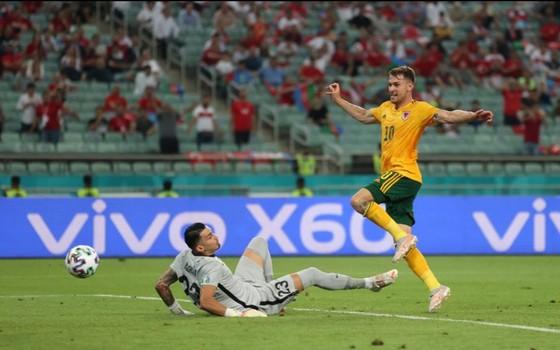 Thổ Nhĩ Kỳ - Xứ Wales 0-2: Gareth Bale và Aaron Ramsey phô bày đẳng cấp ảnh 4