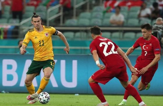Thổ Nhĩ Kỳ - Xứ Wales 0-2: Gareth Bale và Aaron Ramsey phô bày đẳng cấp ảnh 5