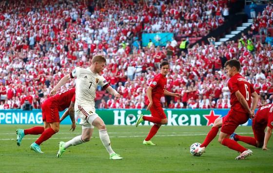 Đan Mạch – Bỉ 1-2, Quỷ đỏ ngược dòng khi Hazard và De Bruyne xuất trận ảnh 3