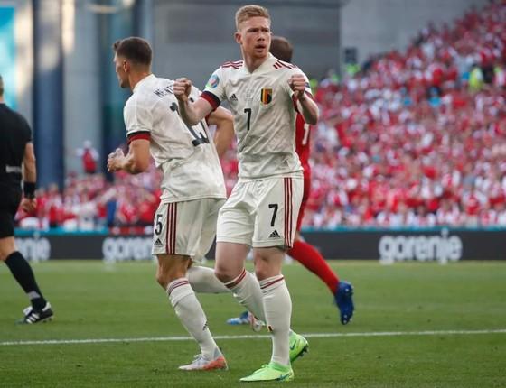 Đan Mạch – Bỉ 1-2, Quỷ đỏ ngược dòng khi Hazard và De Bruyne xuất trận ảnh 5