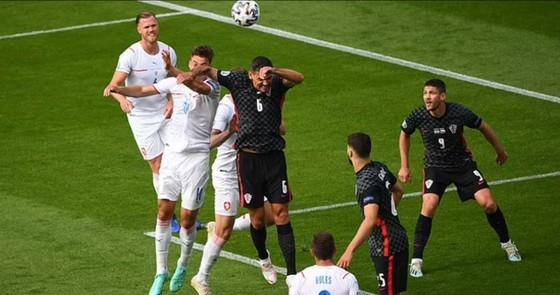Croatia – CH Séc 1-1: Schick sút thắng phạt đền, Perisic gỡ hòa hiệp 2 ảnh 3
