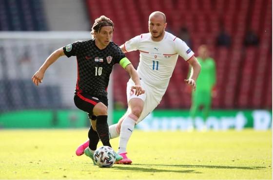 Croatia – CH Séc 1-1: Schick sút thắng phạt đền, Perisic gỡ hòa hiệp 2 ảnh 1