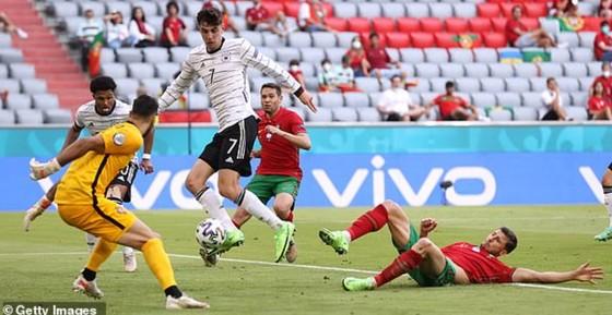 Bồ Đào Nha – Đức 2-4: Ronaldo ghi bàn nhưng Xe tăng Đức đè bẹp Bồ Đào Nha ảnh 5