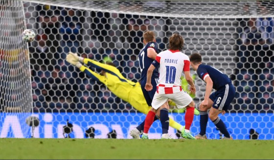 Croatia – Scotland 3-1: Vlasic mở tỷ số trong đêm Modric và Perisic tỏa sáng ảnh 4
