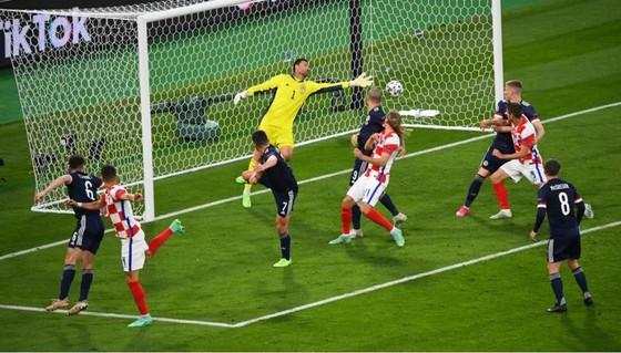 Croatia – Scotland 3-1: Vlasic mở tỷ số trong đêm Modric và Perisic tỏa sáng ảnh 6