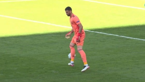Croatia – Tây Ban Nha 3-5 (hiệp phụ): Unai Simon tặng quà, Sarabia, Torres, Morata tạo kỷ lục ghi bàn Euro ảnh 1