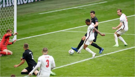 Anh – Đức 2-0: Sư tử gầm vang ở Wembley, Sterling và Kane nhấn chìm tuyển Đức ảnh 1