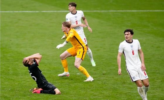 Anh – Đức 2-0: Sư tử gầm vang ở Wembley, Sterling và Kane nhấn chìm tuyển Đức ảnh 2