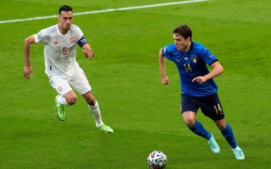Tây Ban Nha mang tiki taka trở lại nhưng Italia thắng xứng đáng ảnh 2