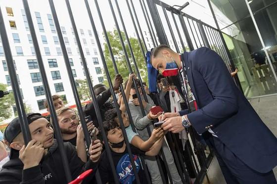 """Gianluigi Donnarumma ký hợp đồng 5 năm với PSG: """"Tôi đến đây để hoàn thiện mình"""" ảnh 4"""