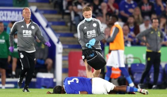 Hậu vệ Fofana của Leicester gãy chân trong trận tập huấn với Villarreal ảnh 1