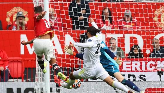 Man United - Leeds United 5-1: Bruno Fernandes ghi hat-trick, Pogba lập poker kiến tạo ảnh 2