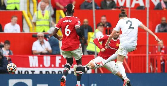 Man United - Leeds United 5-1: Bruno Fernandes ghi hat-trick, Pogba lập poker kiến tạo ảnh 3