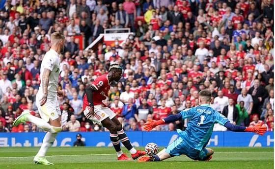 Man United - Leeds United 5-1: Bruno Fernandes ghi hat-trick, Pogba lập poker kiến tạo ảnh 1