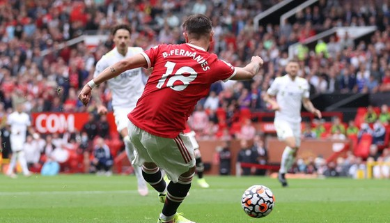 Man United - Leeds United 5-1: Bruno Fernandes ghi hat-trick, Pogba lập poker kiến tạo ảnh 5