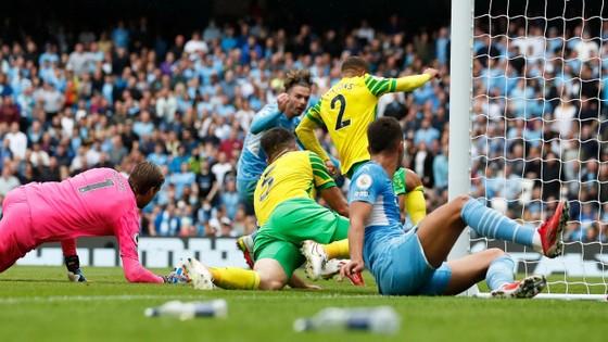 Manchester City – Norwich 5-0: Grealish mở tài khoản, Gabriel Jesus tỏa sáng với 2 kiến tạo ảnh 2