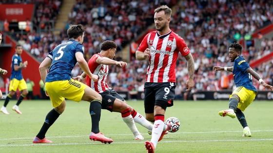 Southampton – Man.United 1-1: Che Adams mở điểm nhưng Greenwood giúp Quỷ đỏ ghi kỷ lục sân khách ảnh 1