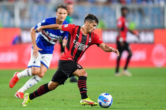Brahim Diaz mang lại chiến thắng cho AC Milan