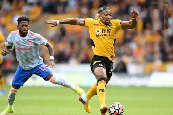 Wolves - Man United 0-1: Mason Greenwood giúp Quỷ đỏ lập kỷ lục bất bại trên sân khách ảnh 2
