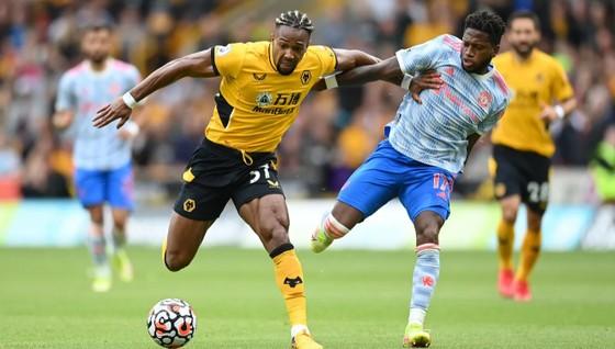 Wolves - Man United 0-1: Mason Greenwood giúp Quỷ đỏ lập kỷ lục bất bại trên sân khách ảnh 1