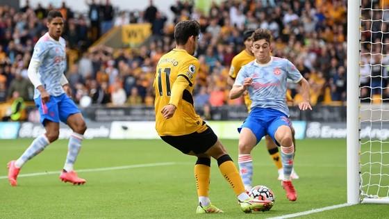 Wolves - Man United 0-1: Mason Greenwood giúp Quỷ đỏ lập kỷ lục bất bại trên sân khách ảnh 3