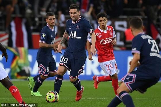 Những bước chạy đầu tiên của Messi ở Ligue 1
