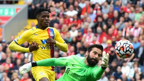 Liverpool – Crystal Palace 3-0: Mane, Salah và Keita nhấn chìm Đại bàng ảnh 1