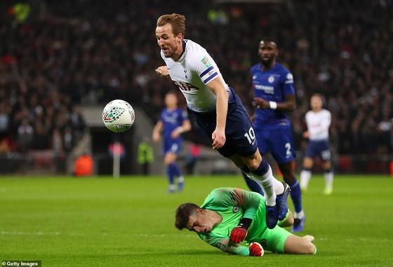 Harry Kane ;luôn là mối đe dọa cho Chelsea ở sân Tottenham Hotspur