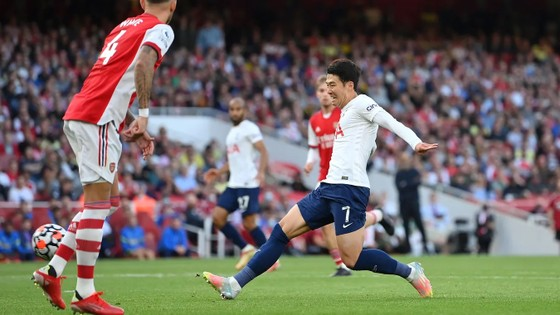 Arsenal - Tottenham 3-1: Smith Rowe, Aubameyang và Saka nổi lửa ở Emirates ảnh 4