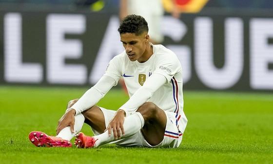 Man United đau đầu khi cặp trung vệ Harry Maguire và Raphael Varane đều chấn thương ảnh 1